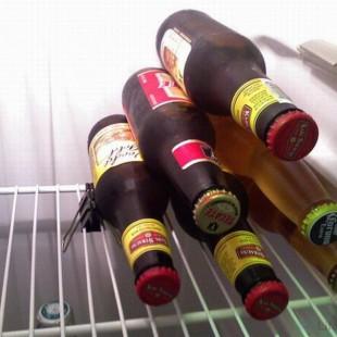 Хранение бутылок пива в холодльнике